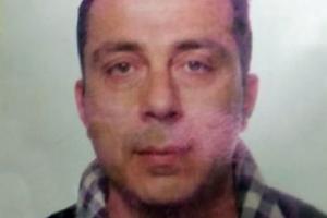 Imprenditore marchigiano si dà fuoco al cimitero e muore a 47 anni